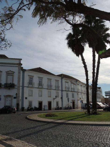 Faro roundabouts