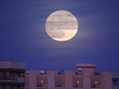 Real Marina Hotel with moon