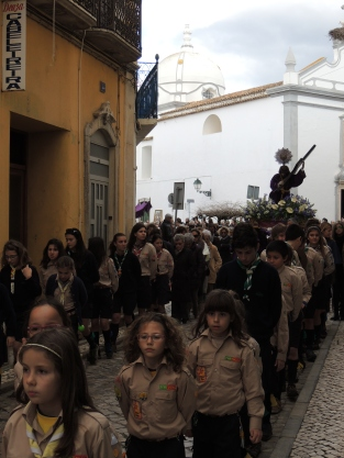 Scouts escorting