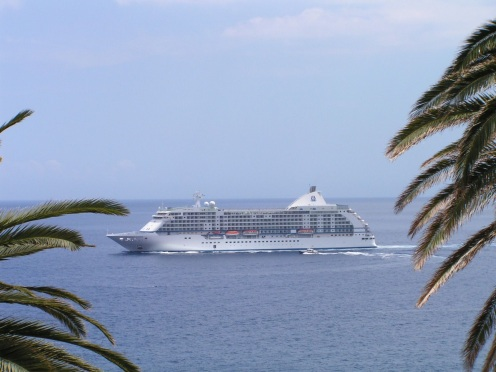 Liner coming into Funchal