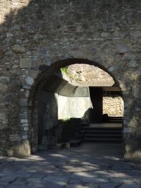 castle-arches
