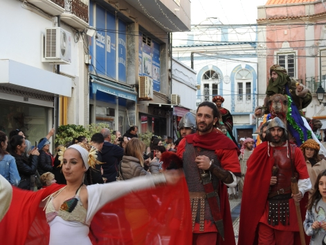Belly Dancers and Roman Soldiers