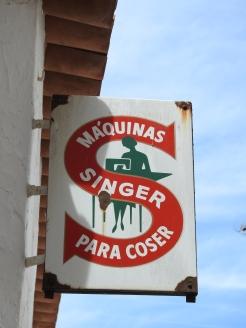 Singer sign in Serpa