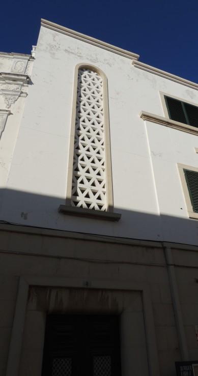 A 1947 facade